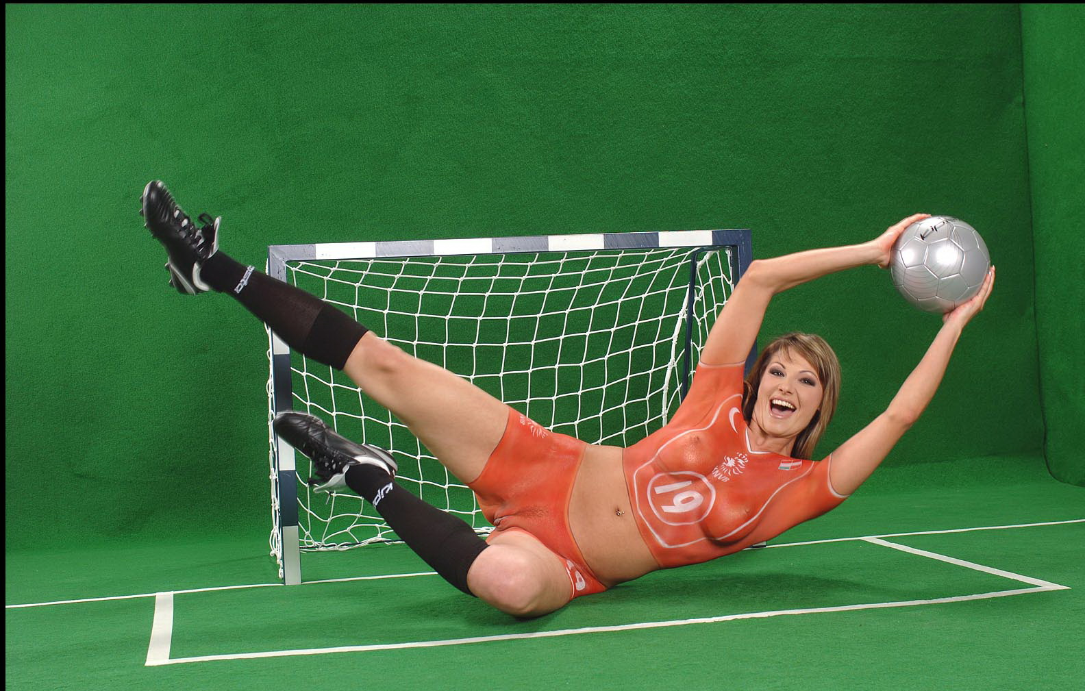 devushki-futbolistka-erotika