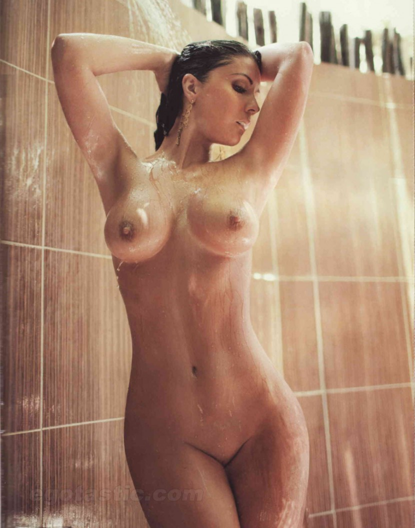 haydee-navarra-oct-H-extremo-09-830x1056 (ccc material - showering)