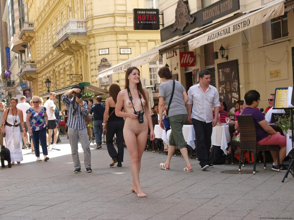 Zuzana Nude Prague 60